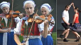 Rozjuchaná Strážnice hostí 25 000 milovníků folkloru: S prázdným břuchem je aj u muziky smutno