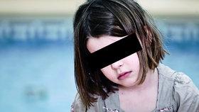 Matka nechala tříletou dceru samotnou: Zemřela žízní a hladem