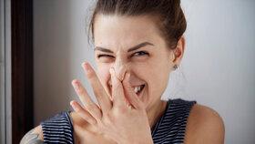 Jste cítit? Tělesný pach může znamenat, že trpíte vážnou nemocí. Jakou?