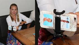 Vondráčková překvapila svým mobilem: Má tam fotky svých nahých chlapů!