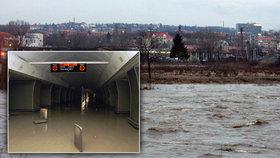 15 let od povodní v Praze: Metro je před vodou lépe chráněné, tvrdí dopravní podnik