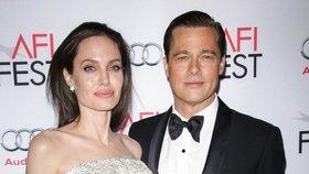 Rozvod Angeliny Jolie a Brada Pitta dostal po 2,5 letech zelenou