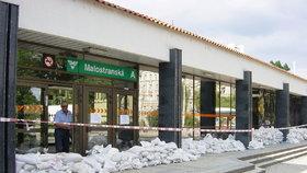 Praha proti povodním: Město zvýší a přidá zábrany v centru, ochránit chce i zoo