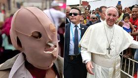 """Ženu znetvořenou kyselinou odradil od smrti papež. """"Jste velmi krásná,"""" řekl"""