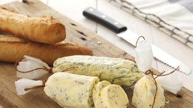 Delikatesa jako z italské kuchyně: Bylinkové máslo za hubičku