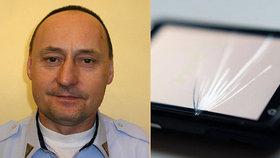 Šéf strážníků Prahy 1 se trestného činu nedopustil, rozhodl soud. Při konfliktu vytrhl řidiči mobil z ruky