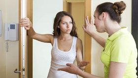 Sousedské vztahy: Co dělat, když vám sousedé pijí krev?