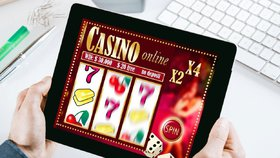 Češi utratili za hazard 250 miliard. Gambleří i středoškoláci, varují experti