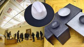 Ti nejlepší čeští designéři na jednom místě: Ukázali klobouky, šperky i nábytek z betonu