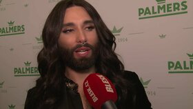 Vousatá zpěvačka Conchita Wurst v Praze: Zpěv už ji dávno neživí!