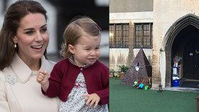 """Královská rodina pobouřila """"poddané"""": Netěhotná Kate a školka pro Charlotte za půl milionu"""