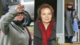 Zahalená Libuše Šafránková mezi paneláky: Skrývá se před veřejností?