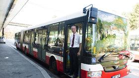 Prázdninové změny v pražské MHD: Nový trolejbus, méně spojů a delší intervaly