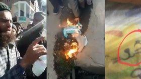 Rozzuření muslimové pálí plenky Pampers. Znesvěcují prý Mohameda