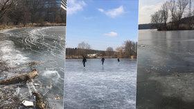 Mráz v Praze přeje zimním radovánkám: Na Džbánu se bruslí jako o závod