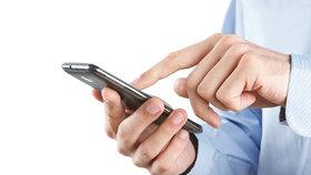 Nabijeme mobily pomocí banánu a soli? Vědci chystají revoluční baterie