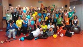 Cvičební maraton v Brně pomůže lidem s roztroušenou sklerózou: Stačí si vzít tenisky, tepláky a plavky