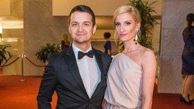 Hádka kvůli penězům? Manžel Adely Vinczeové přiznal, jak snáší její úspěch!