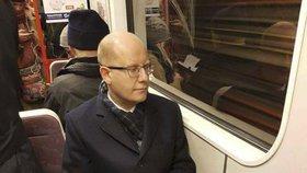 """Sobotka končí ve Sněmovně. """"Důležité rozhodnutí"""" řešil cestou metrem"""