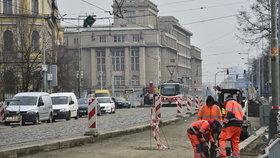 Oprava silnice na nábřeží v Praze 7 končí. Akce se stihne o dva týdny rychleji