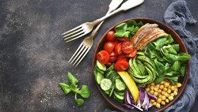 Chyby při obědě, kvůli kterým nehubnete, i když se snažíte