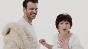 Celebrity na síti: Mareš v kožichu a obklopen zralými kráskami v novém klipu
