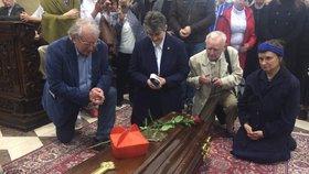 Poslední cesta kardinála Berana: Věřící uctili na Strahově jeho památku modlitební vigilií