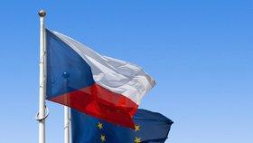 EU důvěřuje polovina Čechů, Evropské komisi a europarlamentu ale o dost méně