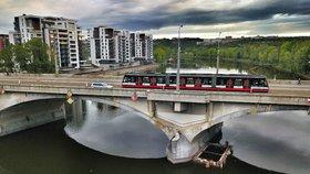 Rozhodnutí o Libeňském mostě se odsouvá. Zastupitelé o něm jednat nebudou