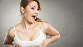 Jak zdůraznit malá prsa? Pomohou push-up podprsenky!