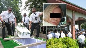 Pohřeb Silvie, kterou našli oběšenou na vratech: Výsledky pitvy nikdo nechápe