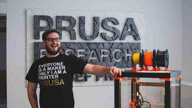 Kutilové i vynálezci poprvé míří do Holešovic: Festival představí roboty z kartáčků na zuby i vzduchové dělo