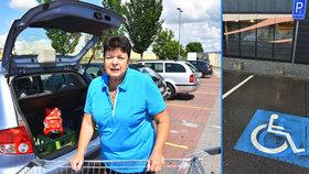 Nešťastná Jarmila (66): Drzí řidiči parkují na invalidech! Může za to špatné značení