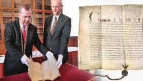 Událost tisíciletí pro Karlovu univerzitu! Získala originál papežského souhlasu s jejím vznikem