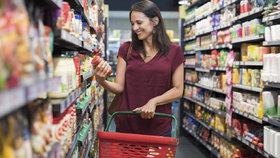 """Supermarkety zavádějí """"tichou hodinku"""" bez hudby a reklam. Kvůli autistům v Británii"""