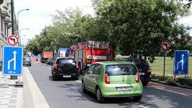 Doprava v Hostavicích: Chodci se necítí bezpečně, radnice bude situaci řešit