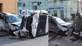 Plzeňský soud potrestal strážníka: Za bouračku s nedoslýchavou ženou dostal pokutu