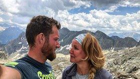 Pizingerová v horách: Ukázala zadek a manžela zcela nahého!