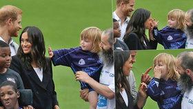 Malý rošťák baví svět: Vytahal Meghan za vlasy, až musel zakročit Harry!