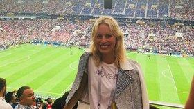 Celebrity na síti: Kdo fandil fotbalu a kdo čeká nový přírůstek do rodiny?