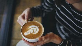 Domácí příprava kávy: Jak zvládnout cappuccino i ledovou kávu!