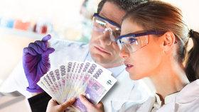 Do vědy jde víc peněz, patentů je ale málo. Česko v inovacích zaostává, tvrdí NKÚ