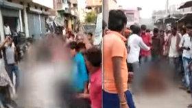 Dav zlynčoval podezřelou ženu: Svlékli ji do naha a hnali bičem ulicemi