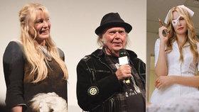 Utajená svatba! Zpěvák Neil Young se oženil s hvězdou Kill Billa!