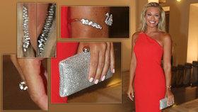 Borhyová zazářila v rudé a vynesla šperky od bývalých partnerů: Od současného milence nic!