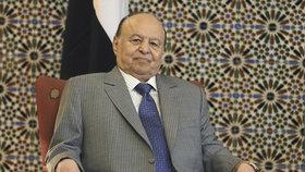 Prezident letěl se srdečními problémy na léčbu do USA. Konflikt v Jemenu pokračuje