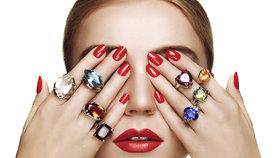 9 kamenů, které musí nosit každá žena! Karneol dodá odvahu, safír pomůže s láskou