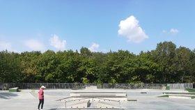 Peripetie s novým skateparkem v Babě. Skejťáci se mu vysmáli a místní ho nechtěli