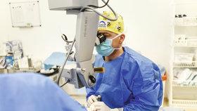 Operace šedého zákalu: Je rychlá a bezbolestná,  neodkládejte ji!
