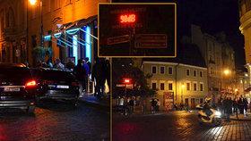 Centrum Prahy se v noci mění v jeden hlučný bar: Radní schválili omezení provozní doby restaurací